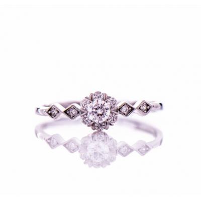 Нежен сребърен пръстен