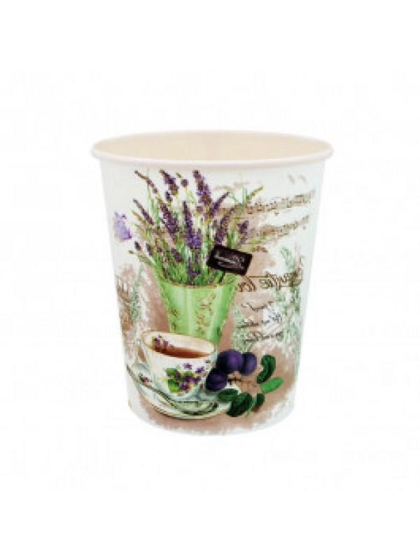 Цветове: С чаша чай