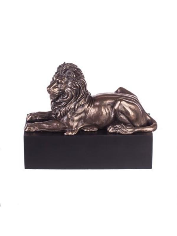 Лъв на постамент WU 186