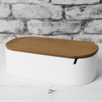 Стилна, овална бяла кутия за бижута с огледало.
