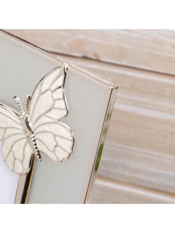 Елегантна фоторамка за снимки с размер 10х15см от матирано стъкло със сложен ръчно изработен телен дизайн пеперуда .