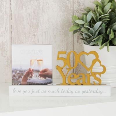 """Очарователна фоторамка за златна годишнина за снимка с размер10x10см с надпис """"50 години"""""""
