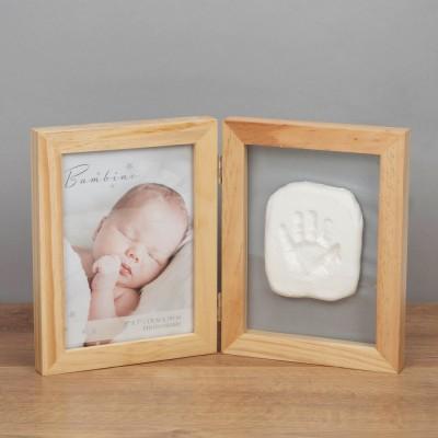Дървена двойна рамка в комплект с отпечатък от глина за снимка с размер 13х18см