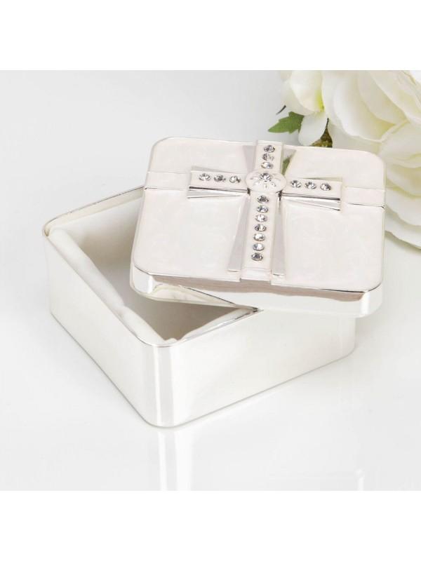 Елегантна кутийка за кръщене от сребърно покритие и перлено бяло